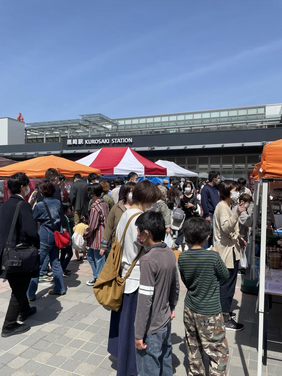 昨年、北九州市のJR黒崎駅前で開催したあんぱんに特化したパン販売イベント「あんぱんパーク」の様子