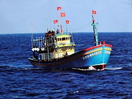 ホアンサ諸島の問題に関する作品27点を展示する