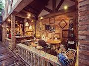 ホーチミンに「魔法使いの町」コンセプトのカフェ パン作りや手芸教室も