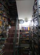 ホーチミンの無料貸本店、人気に 仏教・道徳哲学、健康関連書籍などそろえる