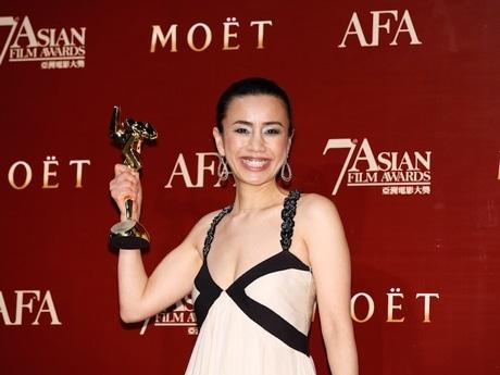 「中野監督の劇場用長編デビュー作で、このようなアジアの名誉に預かり、本当にうれしい」と受賞を喜ぶ渡辺真紀子さん(AFA提供写真)