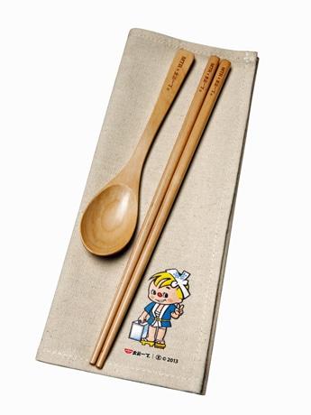 第2弾のプレミアムグッズはお箸とスプーンのセット