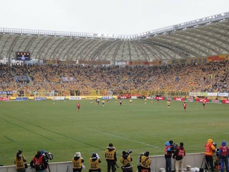 香港のサッカーファンに向けて毎節3試合をi-Cableが放送