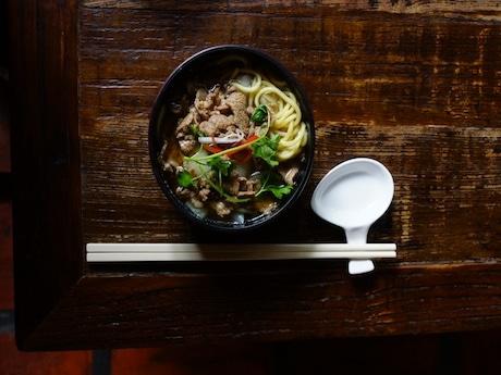 食べれば食べるほど辛さが増す「回回羊肉搶湯麺」