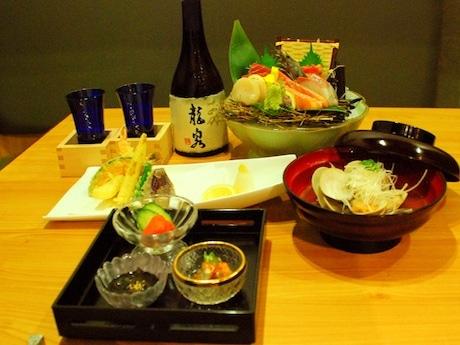 食材は日本からのものを中心に、予算に応じてコース内容をアレンジ