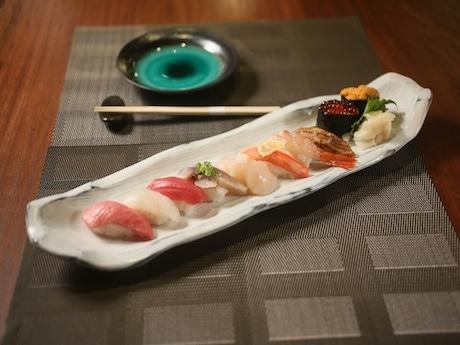 刺身・すしを中心に鮮度の高い産品を使って料理を提供