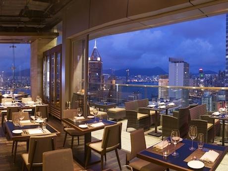 銅鑼湾から望む香港の景色を一望できるレストラン