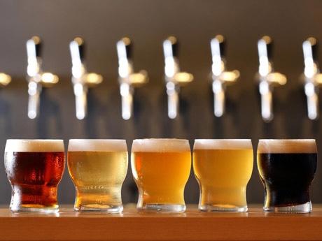 5種類の味を少しずつ試すことができるビールプラッター