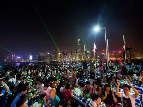 マルコポーロのオクトーバーフェストは香港島の夜景を楽しめる