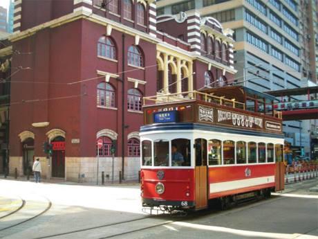 香港での観光のアイコン的存在のトラムに、観光客向けツアーが登場