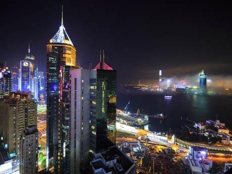 銅鑼湾から香港の夜景を楽しめるテラス