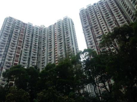 深刻な住宅問題を中心に香港行政長官が最後の施政方針演説