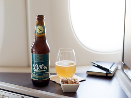 機内で地ビールを提供することになったキャセイパシフィック航空