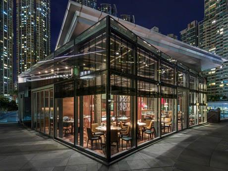 外観も洗練された造りの中華料理店