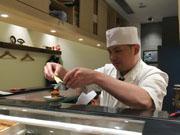 香港に高級立ち食いすし店「立鮨」 1貫ずつ握るお好みスタイルで