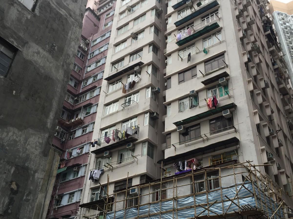 家賃の高騰により多くの住環境問題をかかえる香港