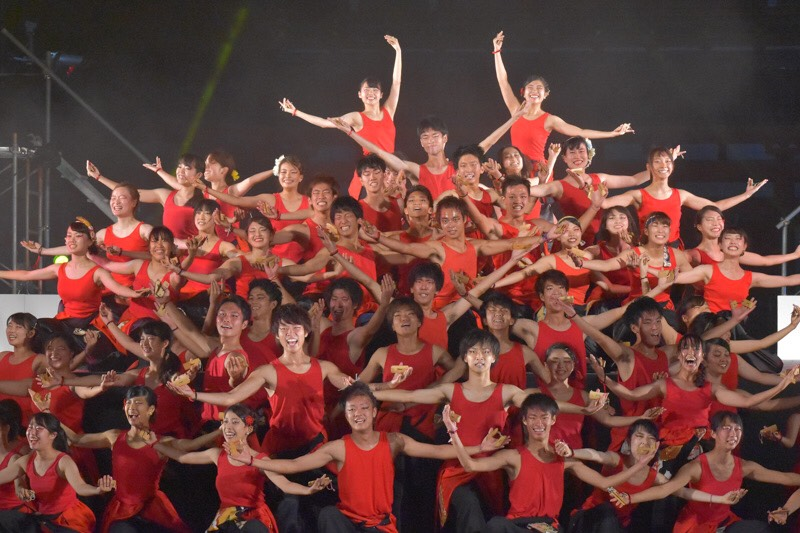 京都から登場する学生たちのパフォーマンス