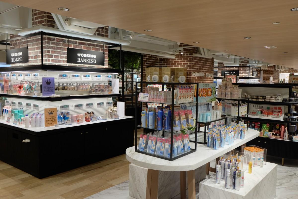 香港に初進出した@cosme store