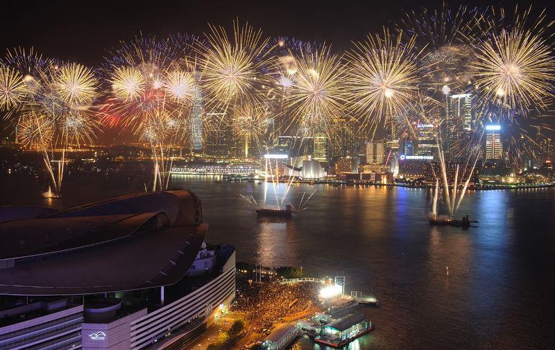 花火も打ち上げられる香港の旧正月
