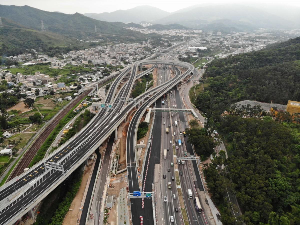 香港と深センをつなぐ新しい税関が開通