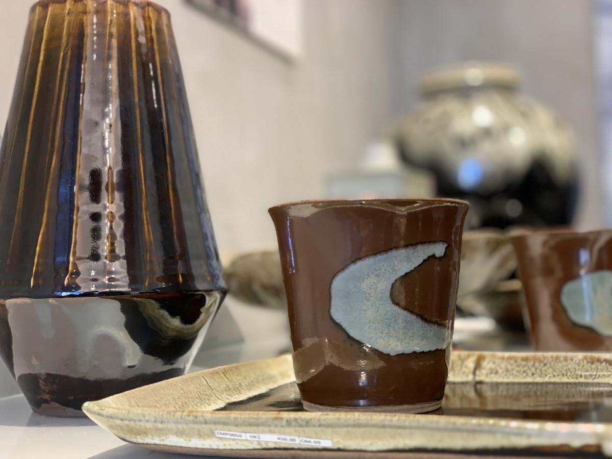 益子焼の伝統色を多く使う大塚雅淑さんの作品
