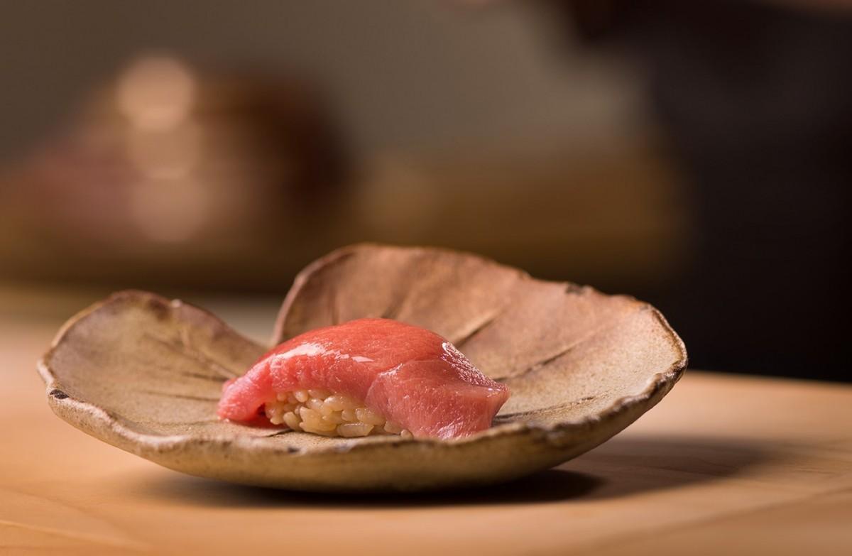 120年以上の歴史を誇る「銀座寿司幸本店」の味を伝承する小島さんの江戸前寿司