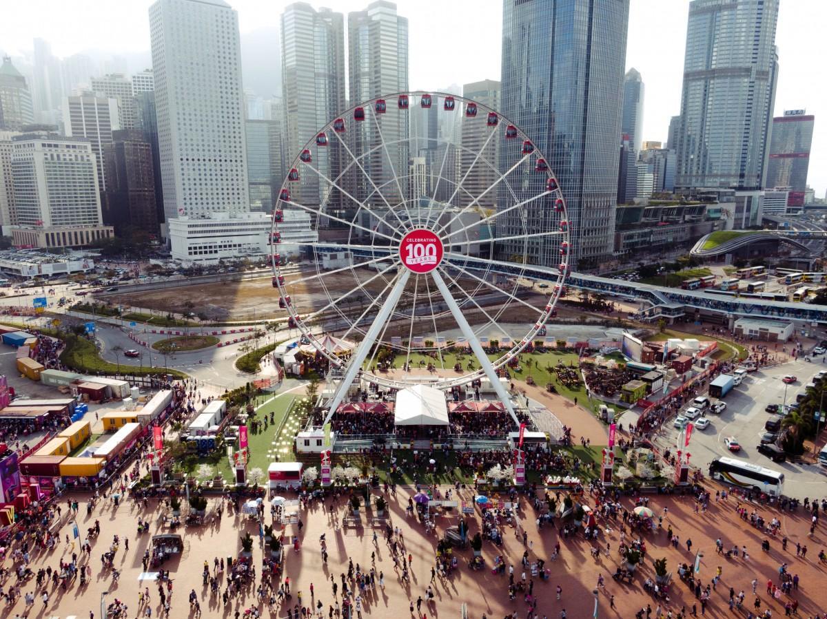 1日1000人が無料で乗車できる香港の観覧車