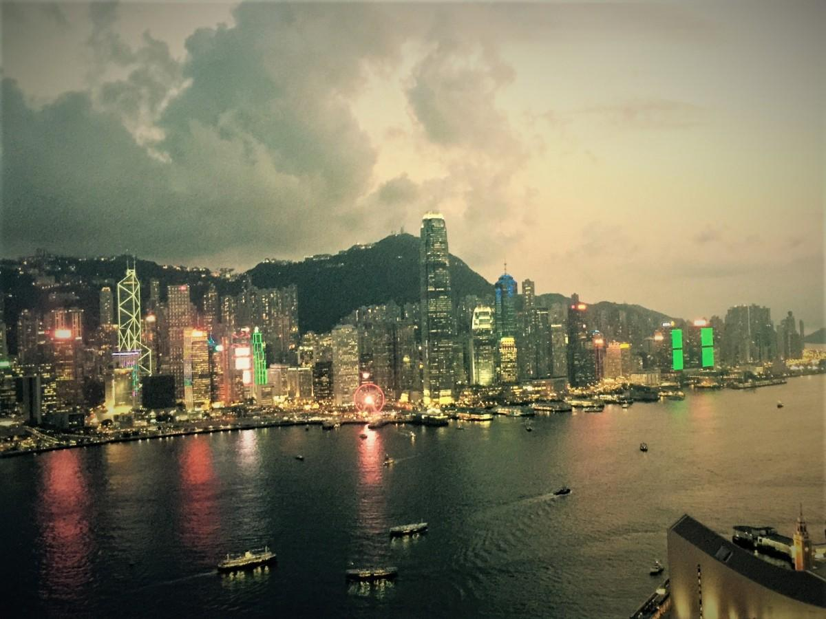 香港経済新聞のランキングにも香港の不安定な情勢も影響している。