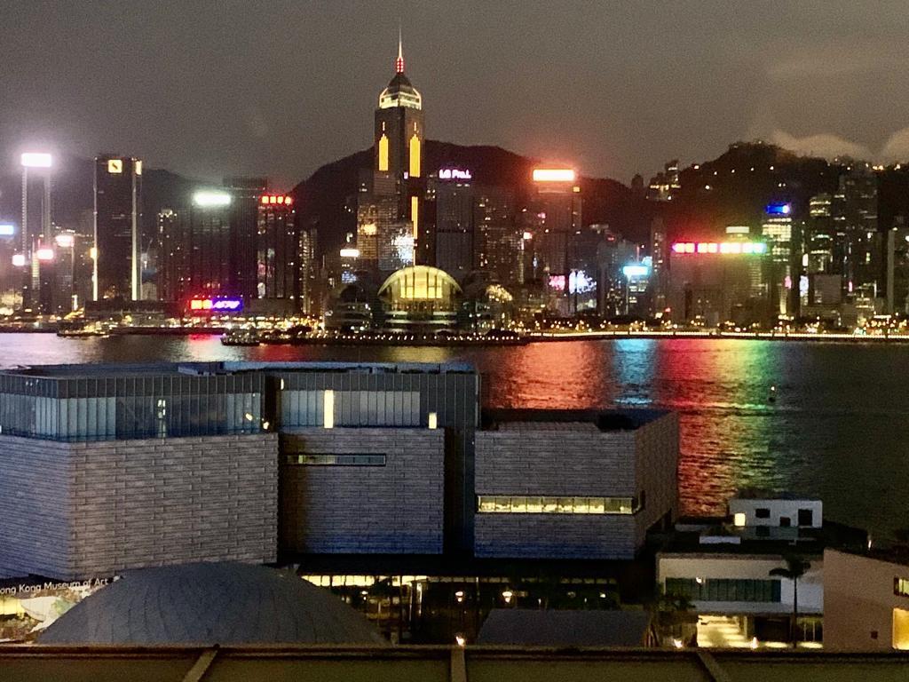 香港で新型肺炎 感染再拡大で規制を再び強化 学校は夏休みを前倒しし ブックフェアは延期に 香港経済新聞