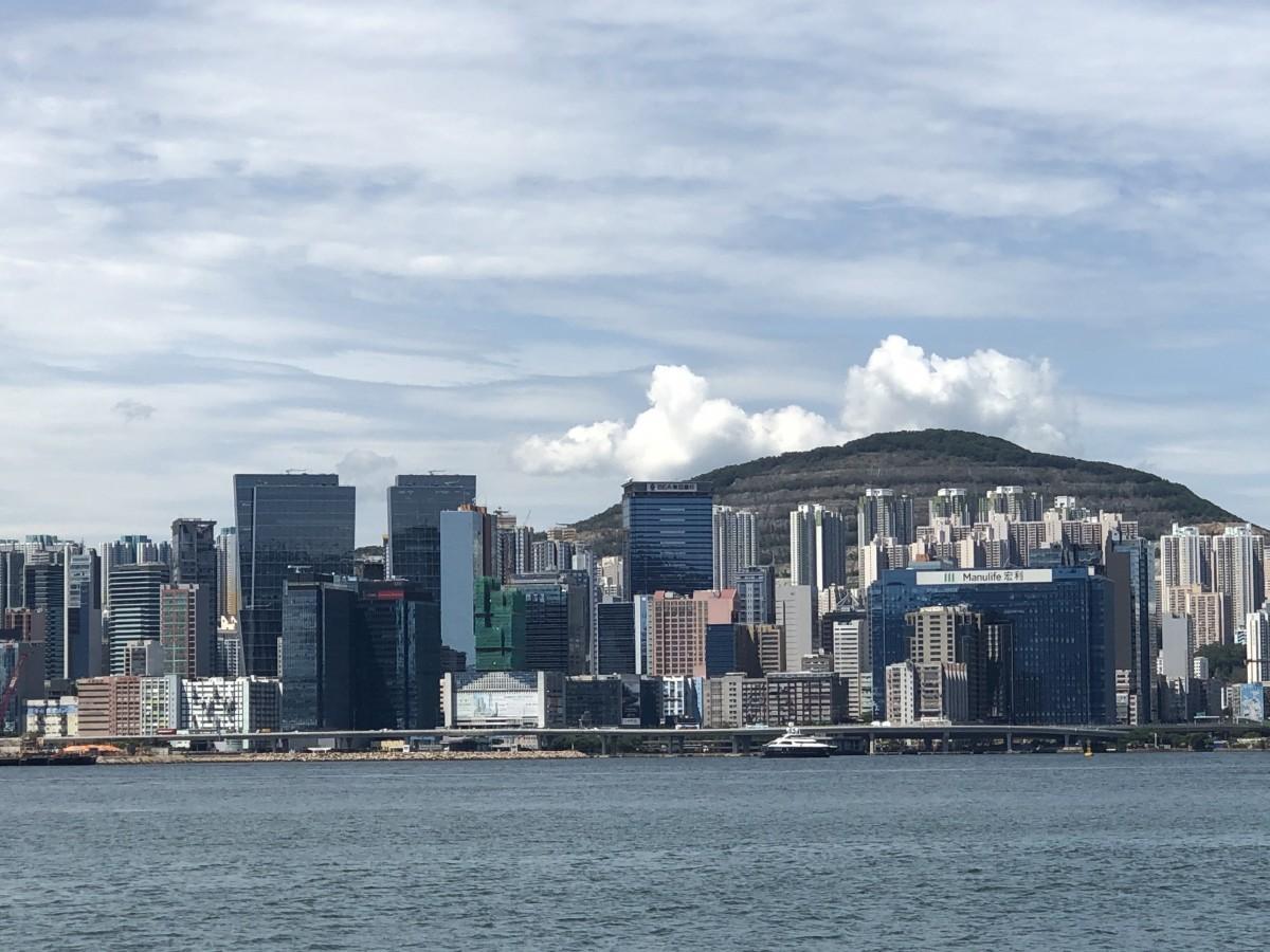 レストラン店内飲食禁止1日目の様子で即撤回を発表した香港
