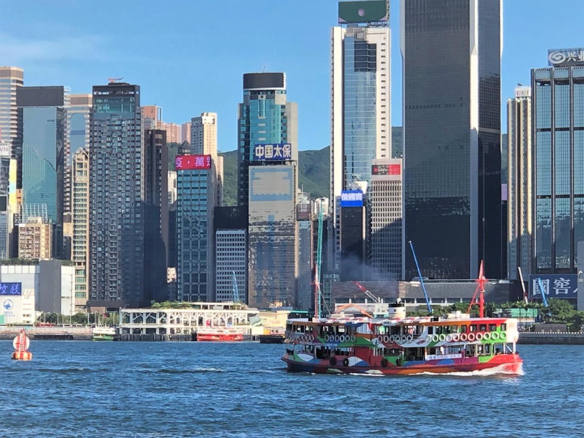 感染者数は落ち着いてきたものの、まだ多くの措置が残る香港