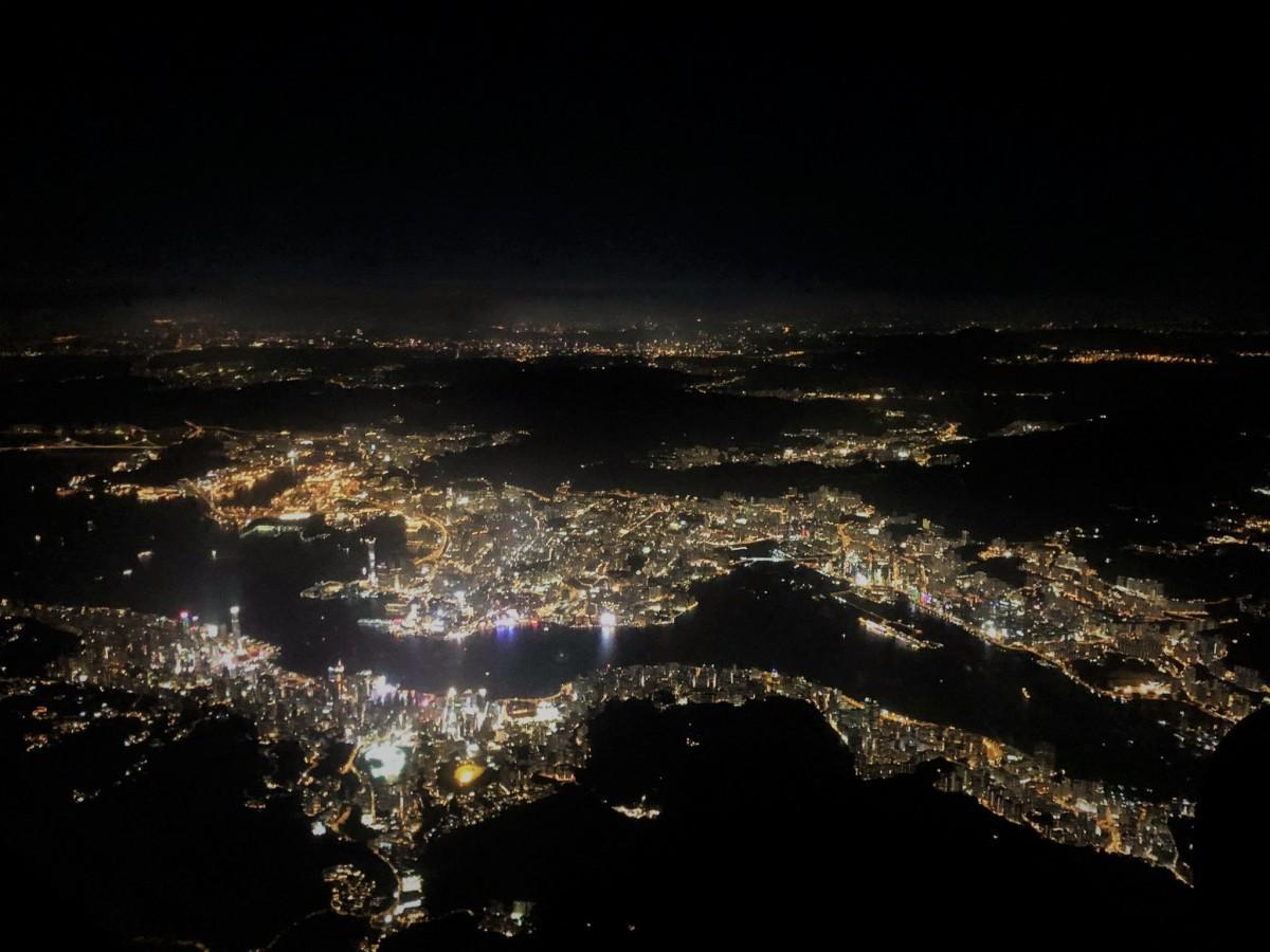 香港から日本に帰国する人も多い季節、日本への入国も厳格化している