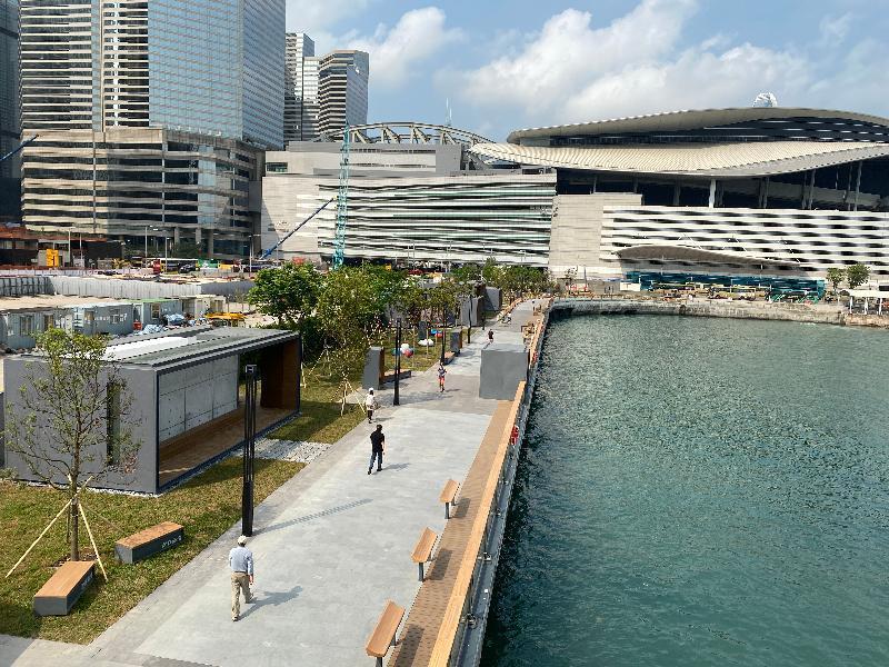 香港島のビクトリアハーバーは、2028年に34キロメートルのプロムナードが完成する予定