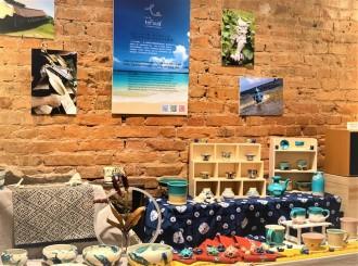 香港で沖縄の「やちむん」を展示販売 沖縄の陶芸作家を支える力に