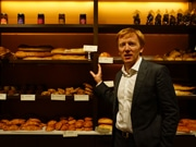 Bakery/Cafe Maison Kayser Opens 2nd HK Location in Int'l Residential Area