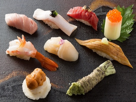 HK Celeb Chef Tries Hand at Japanese Cuisine at Restaurant Serving Sushi and More in New Causeway Bay Building