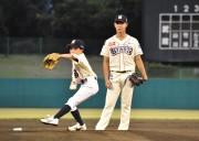 武蔵ヒートベアーズ、本庄で楽天と対戦 始球式に地元児童