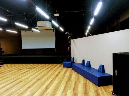 イベント会場となった「ウニクス上里ライブスタジオ」