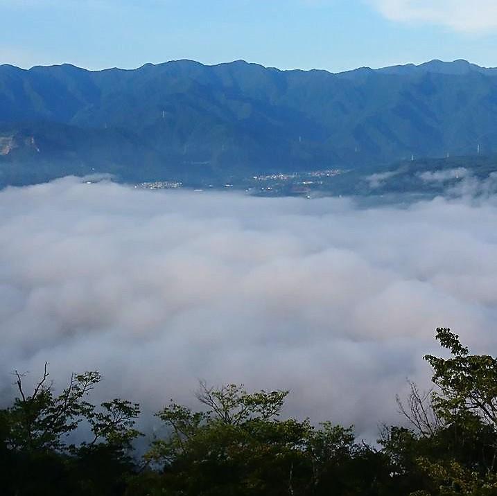 「美の山公園」から見る「雲海」(撮影=荻原修司さん)