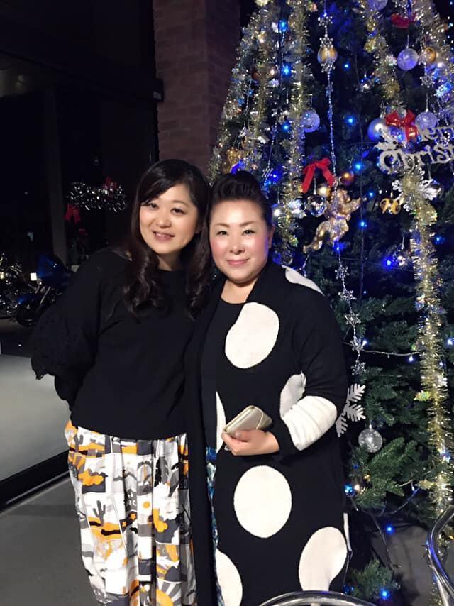 ソプラノ歌手の尾高かおるさん(右)とクラリネット奏者の荒井恵理子さん
