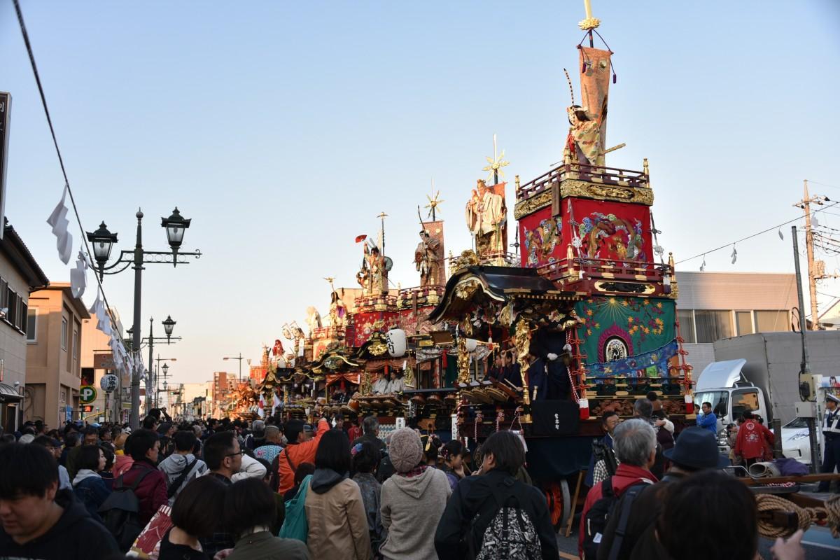 本庄まつりで巡業する「山車」(写真提供=本庄市) ※昨年の様子