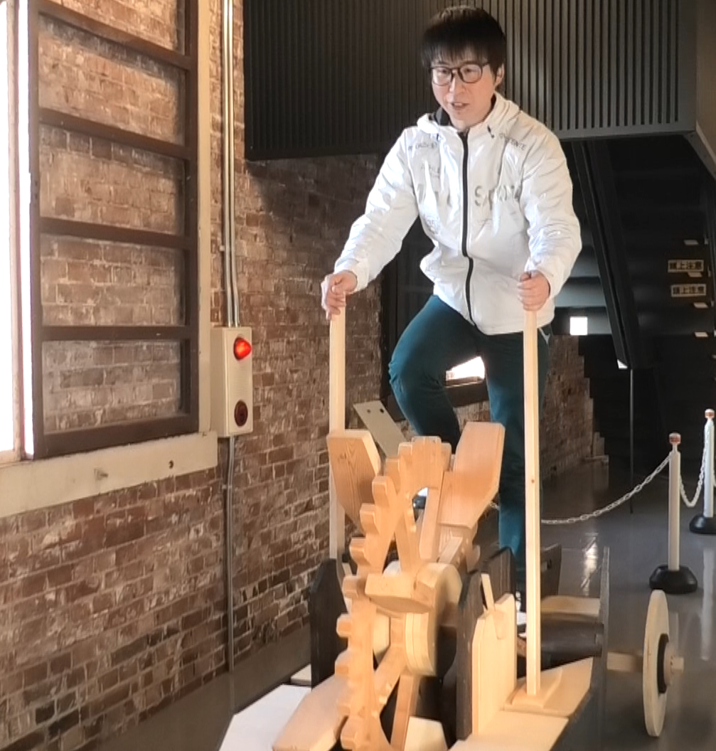 世界最古の自転車「陸船車」に乗る「東京2020」聖火ランナー内定者の新井正人さん