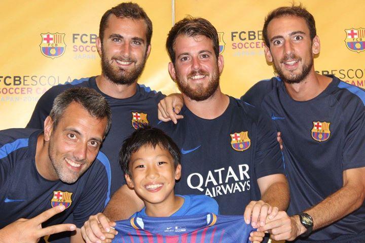 FCバルセロナのコーチと参加者