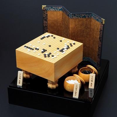 返礼品となった黒木碁石店のミニチュア囲碁セット