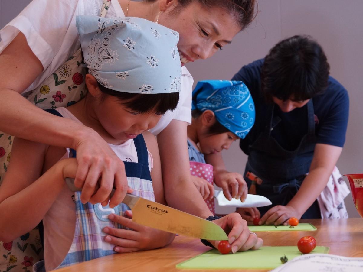 小学1年~中学3年の子どもたちが参加した料理教室