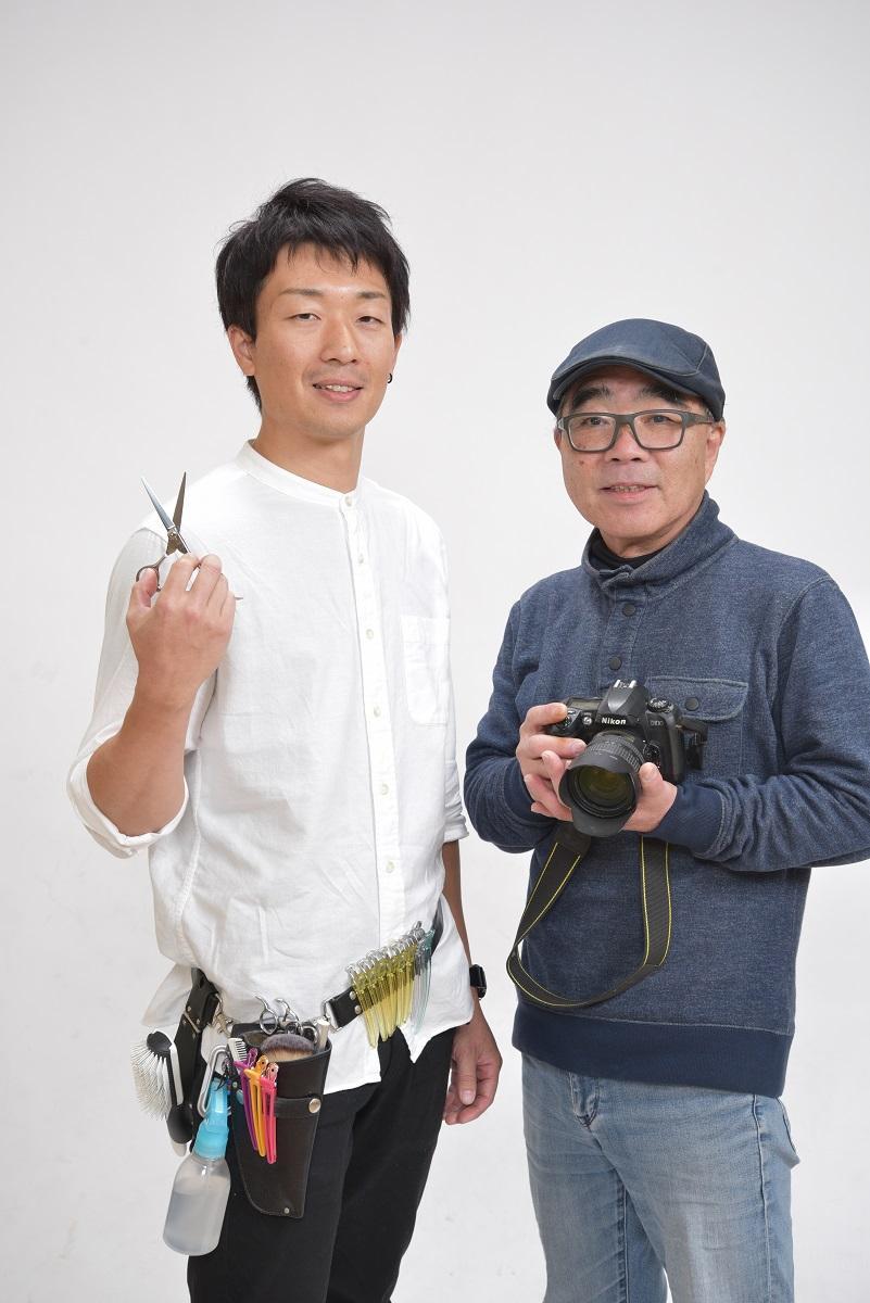 実行委員長で写真店店主の明神さん(右)が訪問美容師の山口さんとコラボする企画も