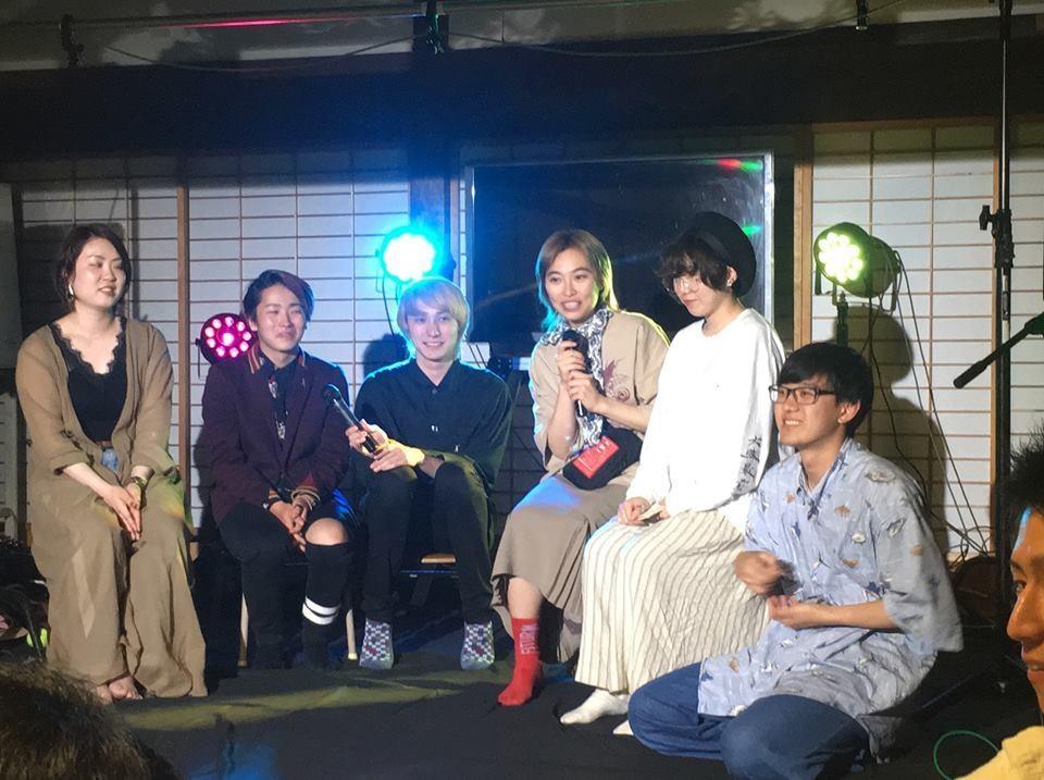 トークショーの様子。左から一木彩也香さん、伊達忍さん、肥田大さん、shiori.oさん、田中涼太さん