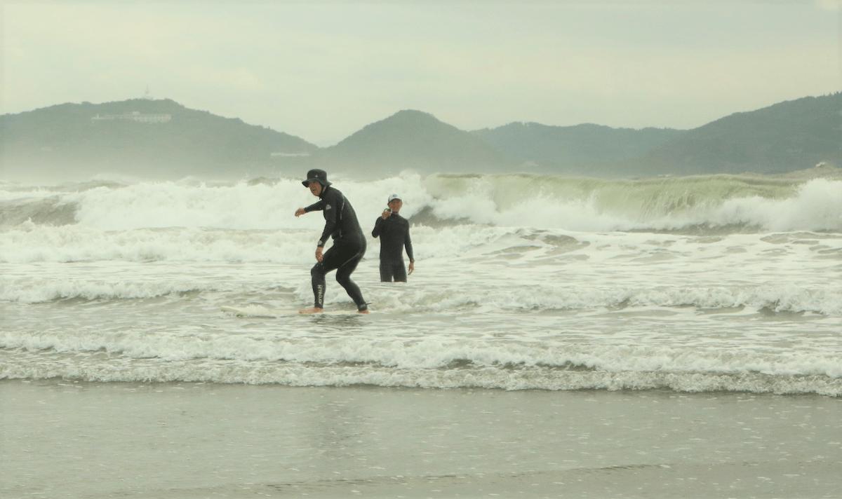 サーフィン体験の様子