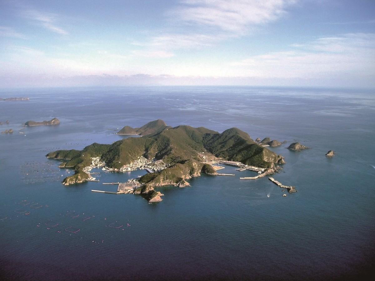 空から見た島野浦島の全景