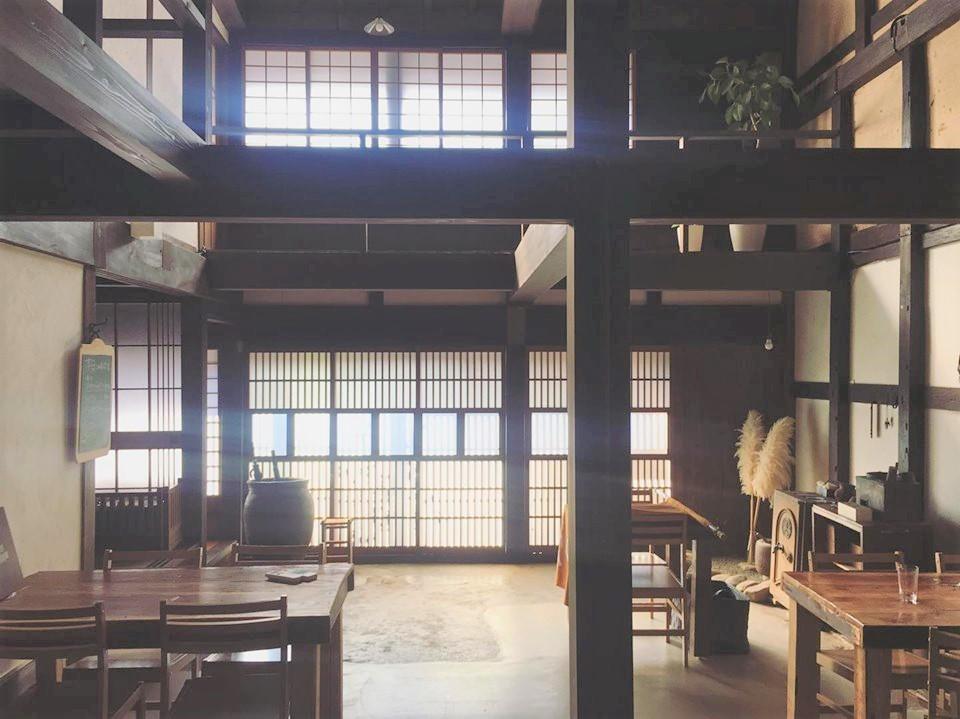 会場の古民家食堂「ひなた屋」